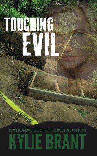 9780985337070: Touching Evil (Circle of Evil) (Volume 2)