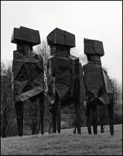 Lynn Chadwick the Sculptures at Lypiatt Park: Marchant, Sarah