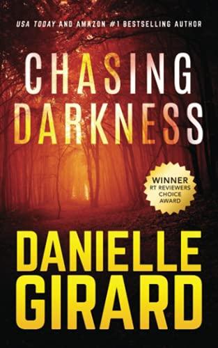 9780996308908: Chasing Darkness