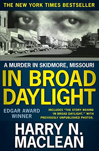 9781087800080: In Broad Daylight: A murder in Skidmore, Missouri