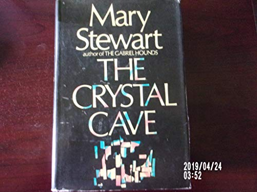 9781111746377: The Crystal Cave