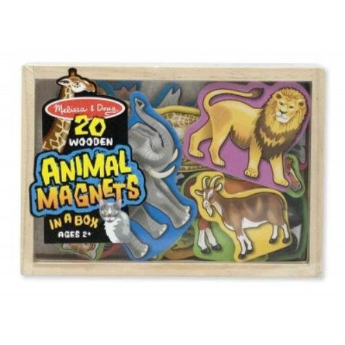 9781223067650: Wooden Animal Magnets
