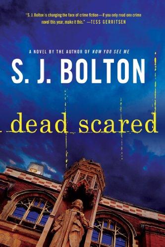 9781250022561: Dead Scared: A Lacey Flint Novel (Lacey Flint Novels)
