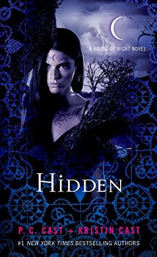 9781250056566: Hidden: A House of Night Novel (House of Night Novels)