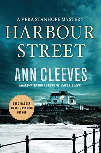 9781250070661: Harbour Street (Vera Stanhope)