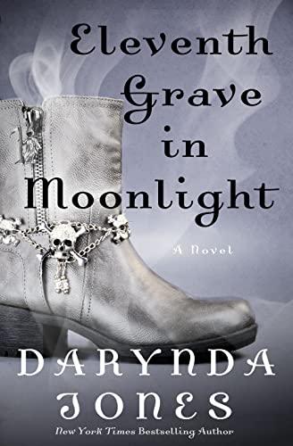 9781250078216: Eleventh Grave in Moonlight: A Novel (Charley Davidson Series)