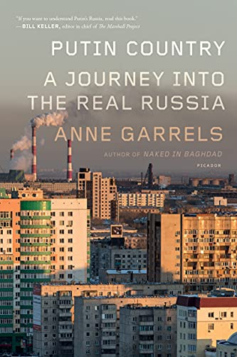 9781250118110: Putin Country: A Journey into the Real Russia