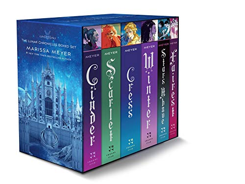 9781250774071: The Lunar Chronicles: Cinder / Scarlet / Cress / Fairest / Stars Above / Winter