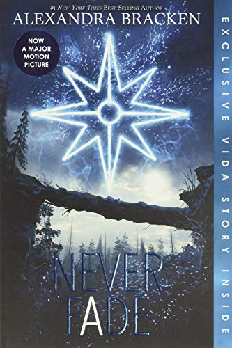 9781368022460: Never Fade (Bonus Content) (A Darkest Minds Novel)