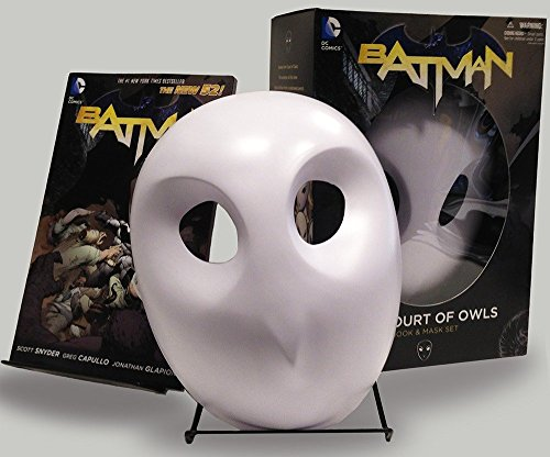 9781401242855: Batman: The Court of Owls Mask and Book Set (The New 52) (Batman: the New 52)