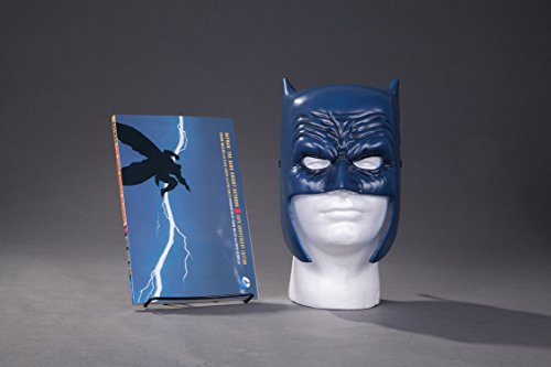 9781401267742: Batman: The Dark Knight Returns Book & Mask Set