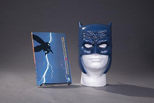 9781401267742: Batman: The Dark Knight Returns Book & Mask Set