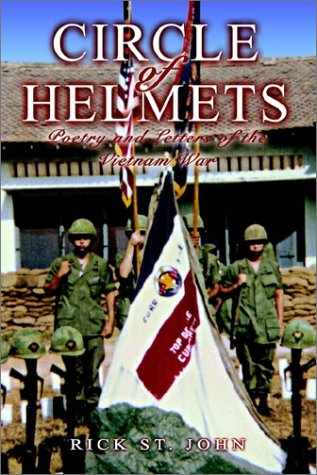 9781403364203: Circle of Helmets: Poetry and Letters of the Vietnam War