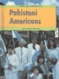 9781403450234: Pakistani Americans (We Are America)