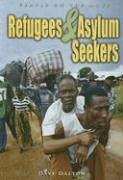 9781403469663: Refugees & Asylum Seekers (People on the Move)