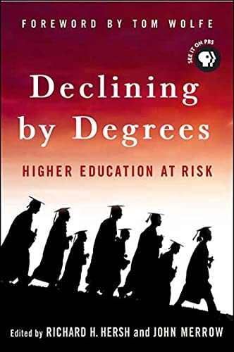 9781403973160: Declining by Degrees: Higher Education at Risk