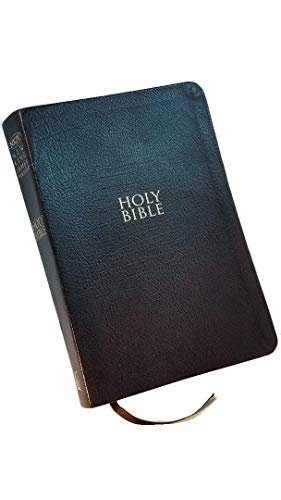 9781404182578: NKJV Personal Size Giant Print Reference Bible Black Bonded Leather $39.99
