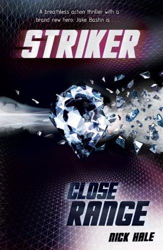 9781405249645: Close Range (Striker)