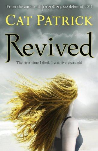 9781405253628: Revived (Forgotten)