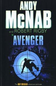 9781405663007: Avenger (Large Print Edition)