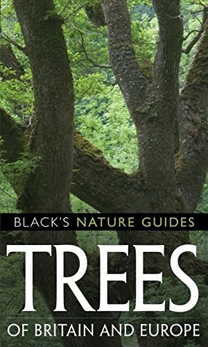 9781408101520: Trees of Britain and Europe (Black's Nature Guides)