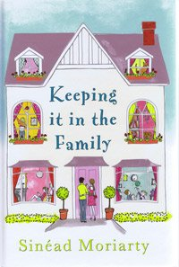 9781408429280: Keeping it in the Family (Large Print Edition)