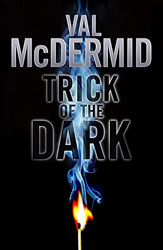 9781408702000: Trick Of The Dark