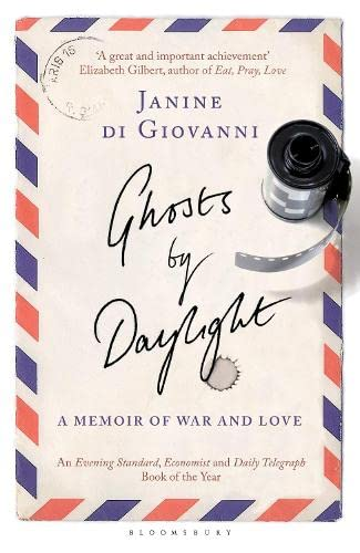 9781408822319: Ghosts By Daylight: A Memoir of War and Love