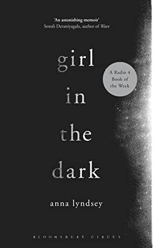 9781408858264: Girl in the Dark