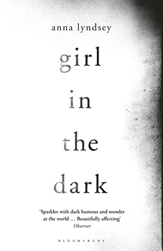 9781408858295: Girl in the Dark
