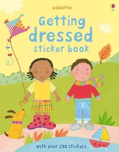 9781409507833: Getting Dressed (Usborne Sticker Books)