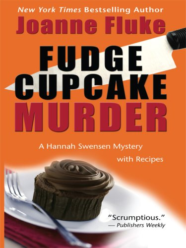 9781410413017: Fudge Cupcake Murder: A Hannah Swensen Mystery (Thorndike Press Large Print Mystery Series)