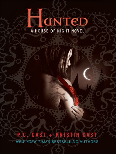 9781410419514: Hunted (Thorndike Press Large Print Literacy Bridge Series)