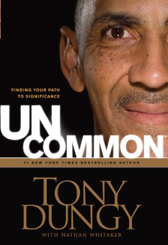9781410433800: UnCommon: Finding Your Path to Significance (Thorndike Press Large Print Inspirational Series)