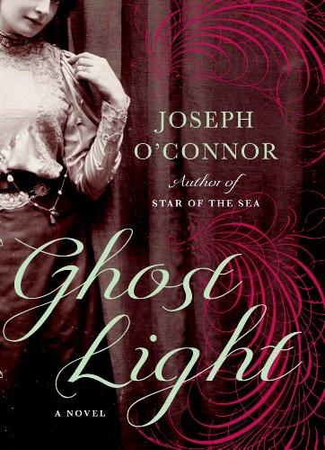 9781410437587: Ghost Light (Thorndike Press Large Print Historical Fiction)