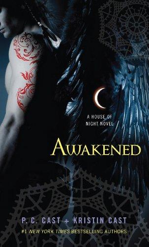 9781410437761: Awakened (A House of Night)