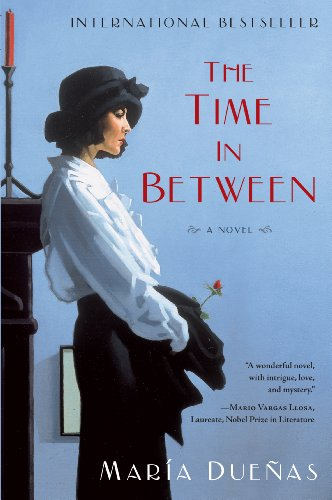 9781410446275: The Time In Between (Thorndike Press Large Print Basic)