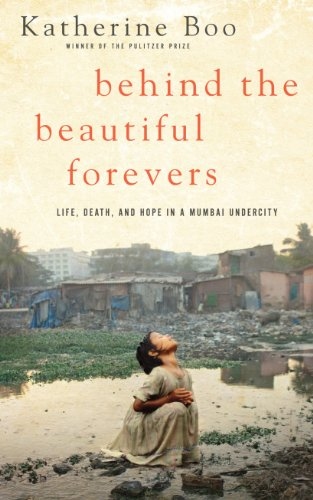 9781410446763: Behind the Beautiful Forevers: Life, Death, and Hope in a Mumbai Undercity (Thorndike Press Large Print Nonfiction Series)