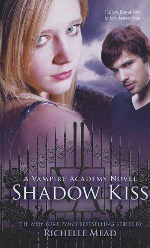 9781410447043: Shadow Kiss