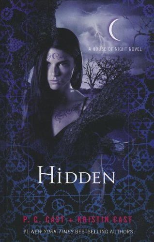9781410452351: Hidden (The House of Night)