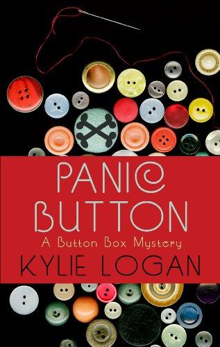 9781410459602: Panic Button (A Button Box Mystery)