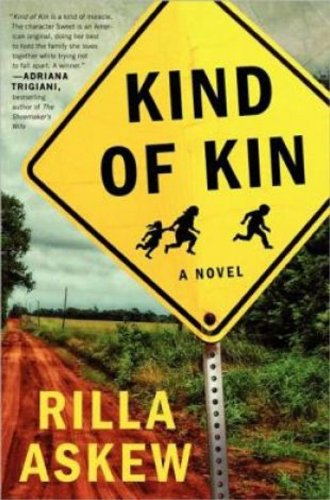 9781410459817: Kind of Kin (Thorndike Press Large Print Peer Picks)