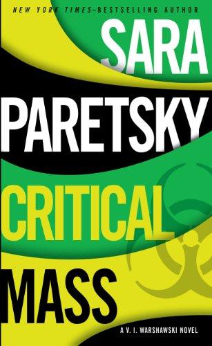 9781410463456: Critical Mass (A V. I. Warshawski Novel)