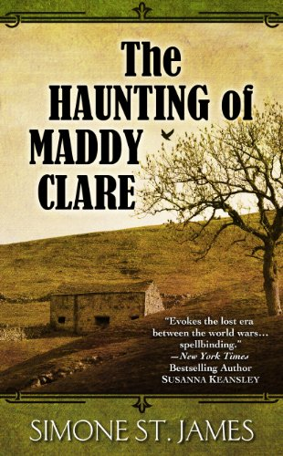 9781410464798: The Haunting Of Maddy Clare (Thorndike Press Large Print Romance)