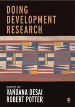 9781412902847: Doing Development Research