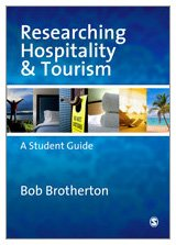 9781412903912: Researching Hospitality and Tourism: A Student Guide