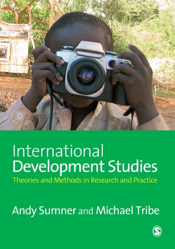 9781412929455: International Development Studies: Theories and Methods in Research and Practice