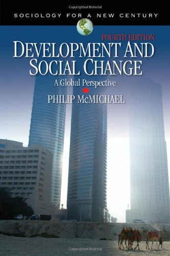 9781412955928: Development and Social Change: A Global Perspective (Sociology for a New Century Series)