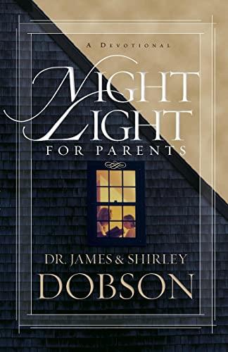 9781414320618: Night Light for Parents: A Devotional