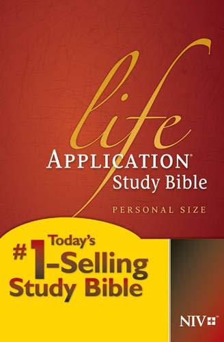 9781414359816: Life Application Study Bible: New International Version Personal Size